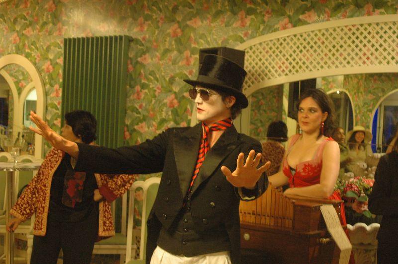 Animation et organisation fête et spectacle belle époque 1900 réalisée par les voyageurs du temps.