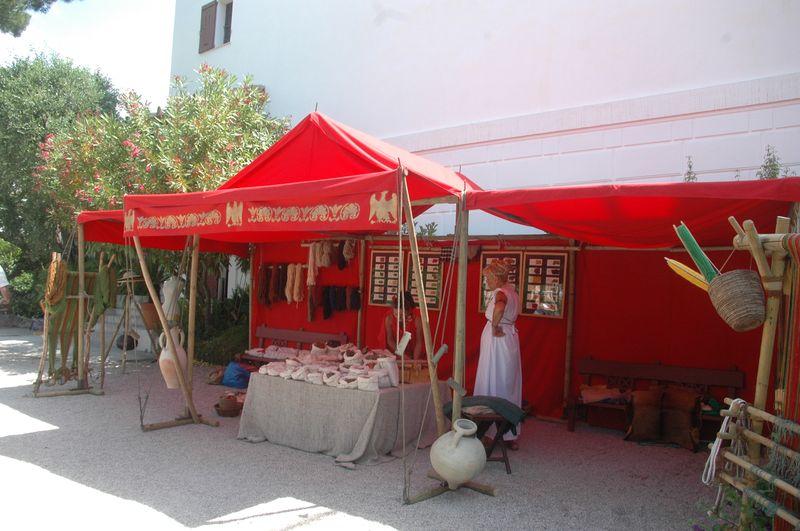 echoppe du tisserand - filage et tissage antique grec à la villa de Kerylos pour la fête de Poseïdon
