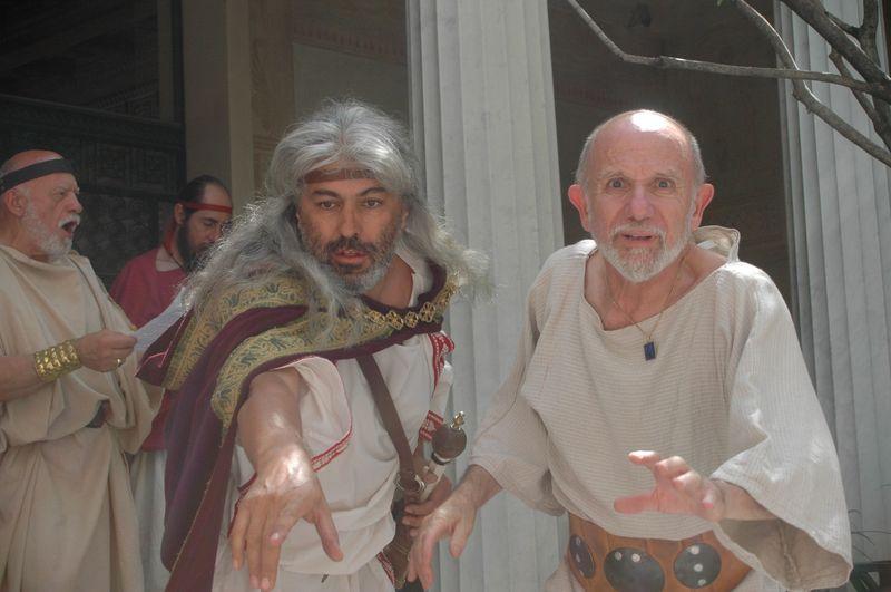 Ulysse et ses guerriers Hoplites antique grecs rencontre le cyclope à la villa de Kerylos pour la fête de Poseïdon