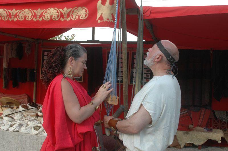 Cecile arnaud filage et tissage antique grec à la villa de Kerylos pour la fête de Poseïdon
