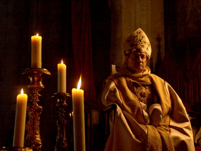 Photos image de clément V lors de L'abolition de l' ordre du temple et des templiers au concile de Vienne en 1312 - Bernard Berthel et Cécile Arnaud - Les Voyageurs du temps